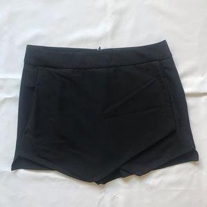 Bar lll Black Skort (Skirt with Shorts) w/Pockets
